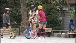 都会のヘルメット一輪車娘に中出し_キャプチャ画像