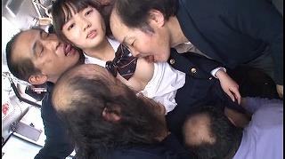 【通学バス集団痴漢】キモメン達に唾を飲むまで何度もイカされ屈してしまう女子校生_キャプチャ画像