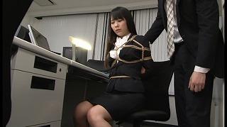 【着衣緊縛】同僚OLのローターオナニーを目撃しそれをネタに緊縛調教!!_キャプチャ画像