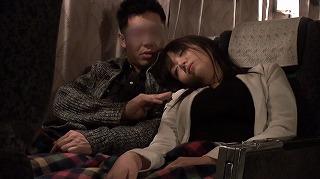 夜行バスでもたれかかってきた隣の席の女の子。2…_キャプチャ画像_02