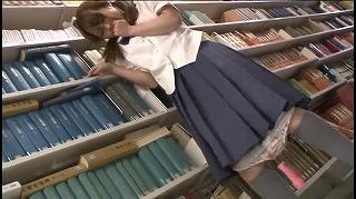 図書館で声も出せず糸引くほど愛液が溢れ出す敏感娘10_キャプチャ画像_01