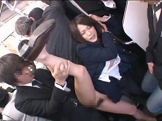 生中出し痴漢シリーズ 第4弾をレビュー!注目は前田陽菜!!_キャプチャ画像